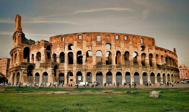 Картинки по запросу В Колизее показывают «Кровь на арене»